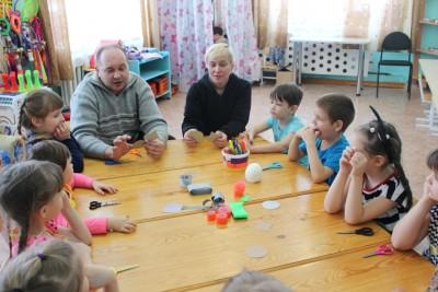 В Сахаптинском детском саду папы провели для детей мастер - класс