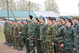 Районные военно-полевые сборы для юношей десятых классов, как обычно проходили на территории с. Красная Поляна.